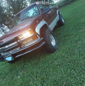 1998 Chevrolet K2500 - 16x10 -25mm - Pro Comp 69 - Stock Suspension - 305/70R16