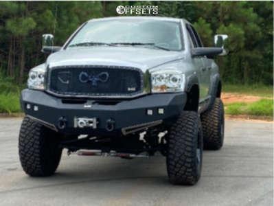 "2006 Dodge Ram 3500 - 18x12 -44mm - Moto Metal Mo962 - Suspension Lift 5"" - 37"" x 13.5"""