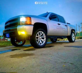 "2011 Chevrolet Silverado 1500 - 22x10 30mm - Replica Wheels Snowflakes - Leveling Kit & Body Lift - 35"" x 12.5"""