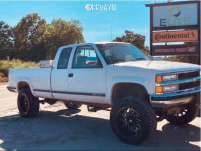 "1994 Chevrolet K2500 - 20x10 -24mm - Fuel Sabers - Suspension Lift 6"" - 35"" x 12.5"""