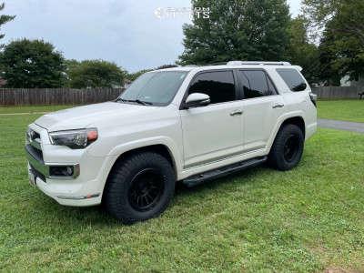 2018 Toyota 4Runner - 17x9 -12mm - KMC Km542 - Stock Suspension - 275/70R17