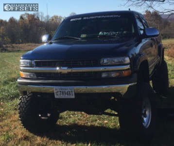 "2002 Chevrolet Silverado 1500 - 17x9 -12mm - Mickey Thompson Classic Iii - Suspension Lift 6.5"" - 37"" x 13.5"""