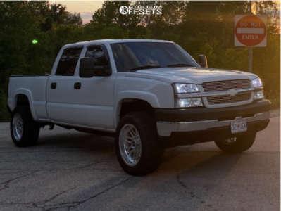 "2004 Chevrolet Silverado 2500 HD - 20x10 -19mm - Fuel Forged Ff66 - Stock Suspension - 33"" x 12.5"""