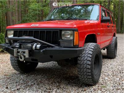 "1995 Jeep Cherokee - 15x8 19mm - Pro Comp 7069 - Suspension Lift 2.5"" - 31"" x 10.5"""