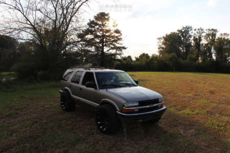 "2000 Chevrolet Blazer - 20x12 -44mm - RBP 77r - Stock Suspension - 33"" x 12.5"""