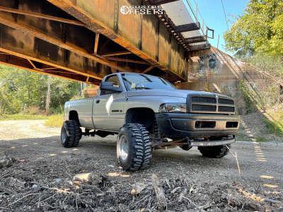 "2002 Dodge Ram 2500 - 15x14 -88mm - Bart Super Trucker - Leveling Kit - 33"" x 14"""