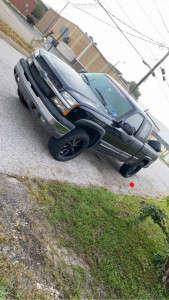 "2004 Chevrolet Silverado 1500 - 20x10.5 -24mm - Moto Metal Mo970 - Leveling Kit - 33"" x 10.5"""
