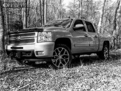 "2012 Chevrolet Silverado 1500 - 22x9 28mm - Oe Performance 169 - Suspension Lift 3.5"" - 33"" x 12.5"""