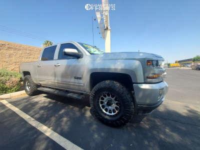 "2018 Chevrolet Silverado 1500 - 17x8.5 -0mm - Method Mr305 - Suspension Lift 3.5"" - 35"" x 12.5"""
