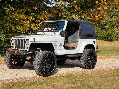 "1999 Jeep TJ - 22x12 -44mm - Fuel Maverick - Suspension Lift 4.5"" - 33"" x 12.5"""