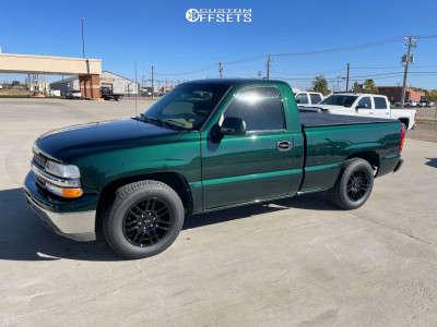 """2001 Chevrolet Silverado 1500 - 17x8.5 30mm - American Racing AR915 - Lowered 2F / 4R - 29"""" x 9.5"""""""