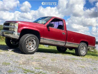 """1996 Chevrolet C1500 - 17x9 -6mm - Pro Comp 01 - Suspension Lift 4"""" - 305/65R17"""