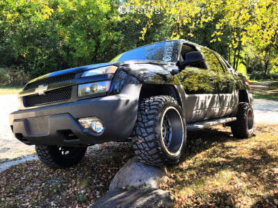 """2003 Chevrolet Avalanche 1500 - 20x12 -51mm - Vision Widow - Suspension Lift 3"""" - 33"""" x 12.5"""""""