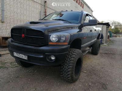 """2003 Dodge Ram 1500 - 20x9 -40mm - Fuel Hostage D530 - Suspension Lift 6"""" - 37"""" x 12.5"""""""
