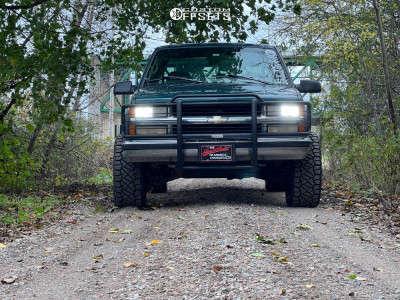 "1996 Chevrolet K2500 - 18x10 -24mm - Moto Metal Mo970 - Stock Suspension - 33"" x 12.5"""