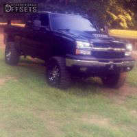 "2003 Chevrolet Silverado 1500 - 20x9 -6mm - Helo HE835 - Suspension Lift 7.5"" - 33"" x 12.5"""