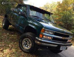 "1995 Chevrolet K1500 - 15x10 -45mm - Mickey Thompson Classic Lock - Suspension Lift 3"" - 33"" x 12.5"""