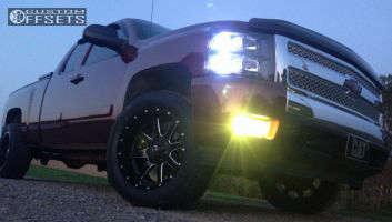 2008 Chevrolet Silverado 1500 - 20x10 -24mm - Fuel Maverick - Leveling Kit - 305/50R20