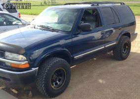 2001 Chevrolet Blazer - 15x8 -12mm - Aero 50 Series - Stock Suspension - 255/70R15