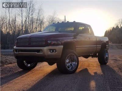 2001 Dodge Ram 2500 - 20x12 -44mm - Scorpion Sc18 - Stock Suspension - 305/50R20