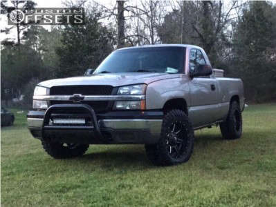 "2003 Chevrolet Silverado 1500 - 18x9 -12mm - Fuel Maverick D538 - Suspension Lift 3"" - 275/65R18"