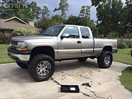 "2000 Chevrolet Silverado 1500 - 20x10 -22mm - Greg Weld Fugitive - Suspension Lift 6"" & Body 3"" - 38"" x 15.5"""