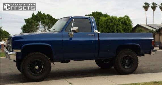 "1983 Chevrolet K10 - 17x9 0mm - Mickey Thompson Deegan 38 Pro 4 - Leveling Kit - 35"" x 12.5"""