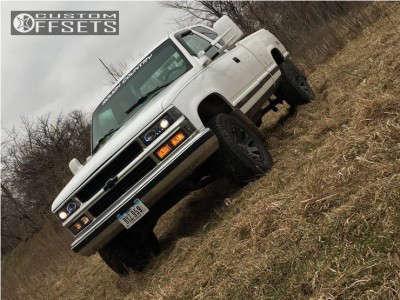 """1998 Chevrolet K1500 - 18x9 -12mm - Black Rhino Warlord - Suspension Lift 4"""" - 275/65R18"""