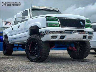"""2004 Chevrolet Silverado 1500 - 20x12 -44mm - Fuel Krank - Suspension Lift 4"""" - 37"""" x 13.5"""""""