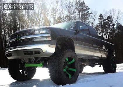 "2001 Chevrolet Silverado 1500 - 22x12 -44mm - XD Rockstar II - Lifted >9"" - 40"" x 15.5"""