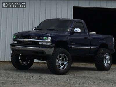"2000 Chevrolet Silverado 1500 - 20x12 -44mm - Hostile Exile - Suspension Lift 6"" - 36"" x 15.5"""