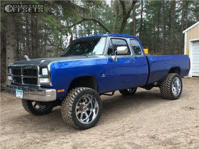 "1993 Dodge W250 - 22x12 -44mm - Gear Off-Road Big Block - Suspension Lift 5"" - 325/50R22"