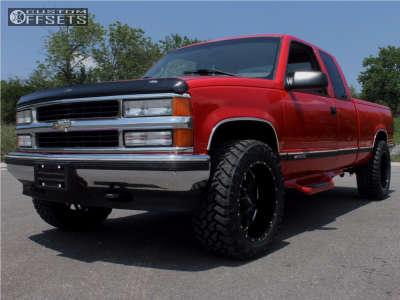 1996 Chevrolet K1500 - 20x10 -25mm - Ultra Hunter - Stock Suspension - 285/55R20