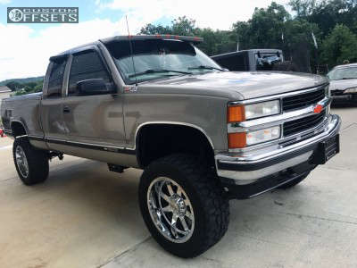 "1998 Chevrolet C1500 - 20x10 -19mm - Gear Off-Road 726c - Suspension Lift 4"" - 33"" x 12.5"""
