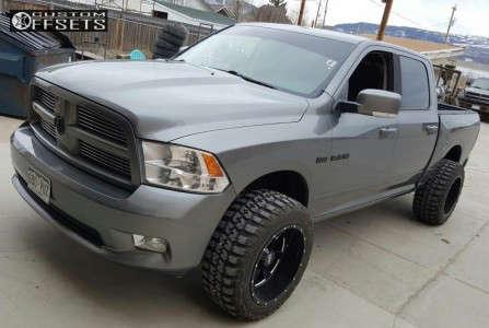"""2012 Dodge Ram 1500 - 20x12 -44mm - Moto Metal Mo962 - Leveling Kit - 33"""" x 12.5"""""""