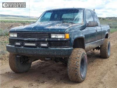 """1995 Chevrolet K1500 - 15x8 -19mm - Pro Comp Series 69 - Suspension Lift 5.5"""" - 37"""" x 12.5"""""""