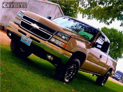 2006 Chevrolet Silverado 1500 - 17x8.5 -6mm - Ultra Xtreme X100 - Stock Suspension - 285/75R17