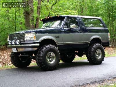"1995 Ford Bronco - 15x12 -73mm - Mickey Thompson Classic Iii - Suspension Lift 4"" - 38"" x 15.5"""