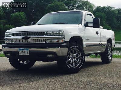 2002 Chevrolet Silverado 1500 - 18x9 18mm - XD Badlands - Stock Suspension - 275/65R18