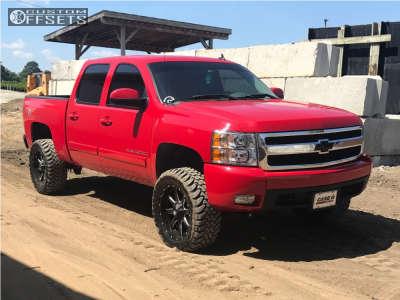 "2007 Chevrolet Silverado 1500 - 20x9 1mm - Fuel Maverick - Suspension Lift 4.5"" - 33"" x 12.5"""