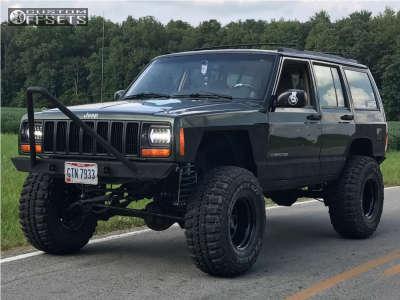 "1997 Jeep Cherokee - 15x10 -44mm - Pro Comp 51 - Suspension Lift 5.5"" - 33"" x 12.5"""
