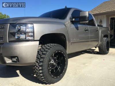 """2012 Chevrolet Silverado 1500 - 20x12 -44mm - Fuel Krank - Suspension Lift 3.5"""" - 33"""" x 12.5"""""""