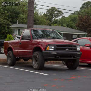 "1996 Chevrolet S10 - 15x8 -19mm - USA 304 - Suspension Lift 3"" - 235/75R15"