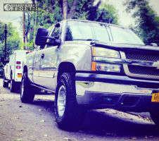 2003 Chevrolet Silverado 1500 - 16x9 -12mm - Moto Metal Mo951 - Leveling Kit - 285/75R16