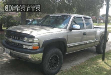 2002 Chevrolet Silverado 1500 - 16x8 0mm - Pro Comp Series 31 - Leveling Kit - 305/70R16