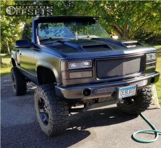 """1990 Chevrolet K1500 - 18x9 0mm - Xd Rockstar Ii - Suspension Lift 4"""" - 35"""" x 12.5"""""""