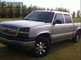 """2004 Chevrolet Silverado 1500 - 17x9 12mm - Ultra Mako - Stock Suspension - 33"""" x 9.5"""""""