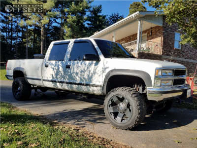 "1998 Chevrolet K3500 - 20x10 -24mm - Xd Xd775 - Suspension Lift 6"" - 33"" x 12.5"""