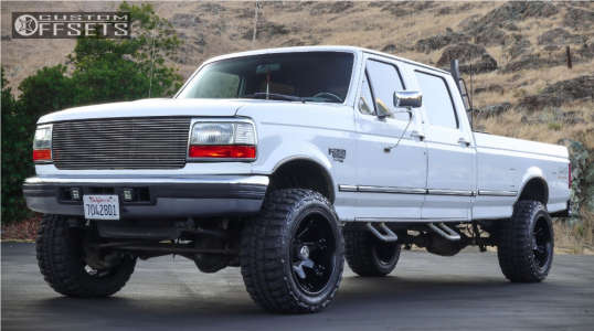 "1997 Ford F-350 - 20x12 -44mm - Fuel Octane - Level 2"" Drop Rear - 33"" x 12.5"""