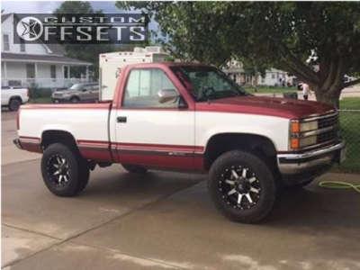 "1990 Chevrolet K1500 - 18x9 -12mm - Fuel Maverick - Suspension Lift 2.5"" - 305/65R18"